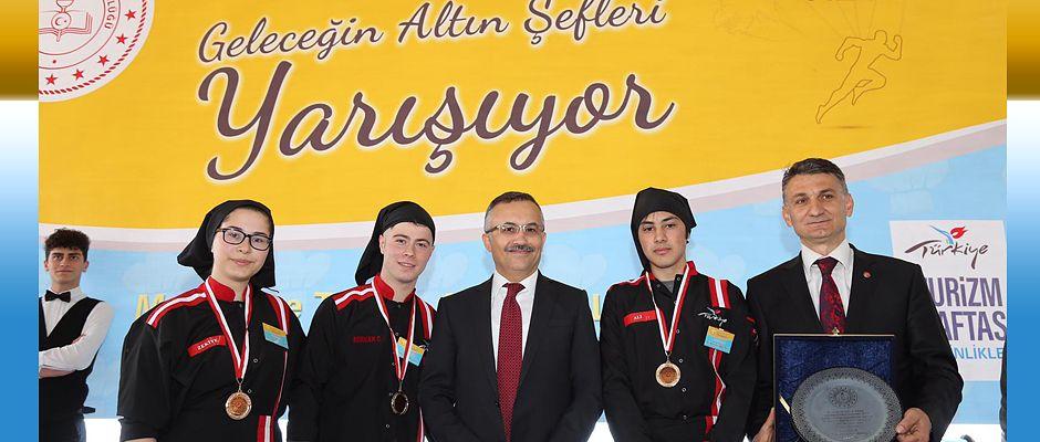 Vali Kemal Çeber Liseler Arası Yemek Yarışmasına Katıldı