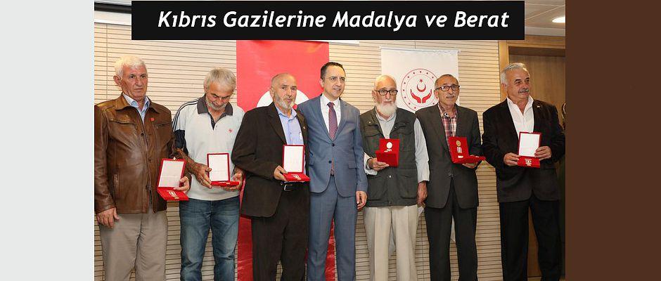 Rize'de Kıbrıs Gazilerine Madalya ve Beratları Verildi