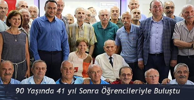 90 yaşındaki Zeki Derintuna, 41 yıl öğrencileriyle buluştu