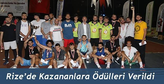 STREETBALL TURNUVASINDA KAZANANLAR ÖDÜLLERİNİ ALDI