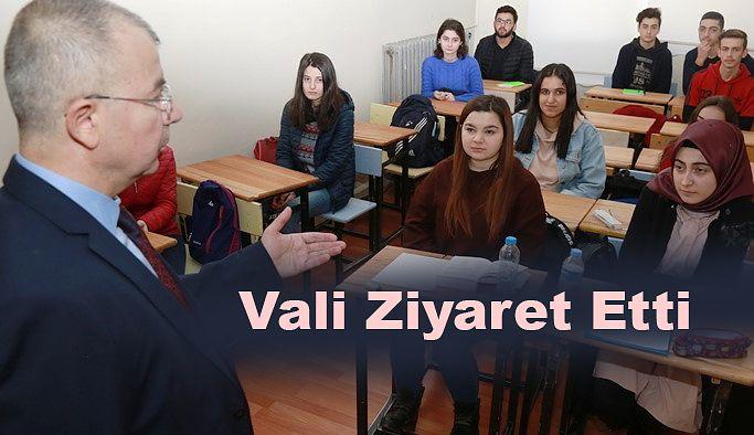 HALK EĞİTİM MERKEZİNİ ZİYARET ETTİ.
