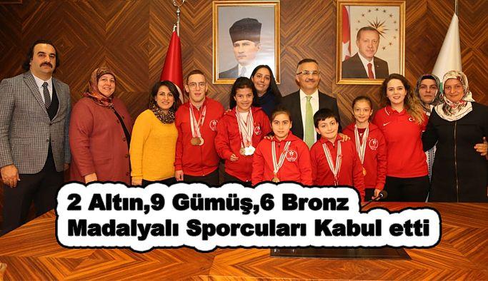 Vali Çeber, Engelli Sporcularla Bir Arada