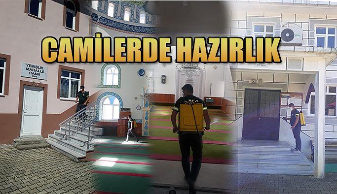 CAMİLER DEZENFEKTE EDİLMEYE BAŞLANDI