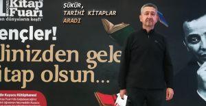 bRıdvan Şükür, Kitap Fuarında Tarih.../b