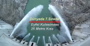 EYFEL KULESİ'NDEN SADECE 25 METRE KISA