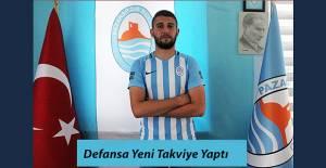 Pazarspor dış transferde defans hattına takviye yaptı.