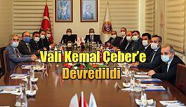 Görevi Vali Kemal Çeber devraldı