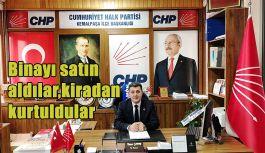 CHP İlçe Başkanlığı kiracı olarak bulunduğu binayı satın alarak kira derdinden kurtuldu.