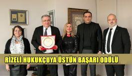 RİZELİ ÜNLÜ HUKUKÇU KARAAHMETOĞLU'NA TÜMBİFED'DEN ÜSTÜN BAŞARI ÖDÜLÜ