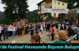 Rize-Pazar'da Apsolular 300 kişinin katılımıyla...